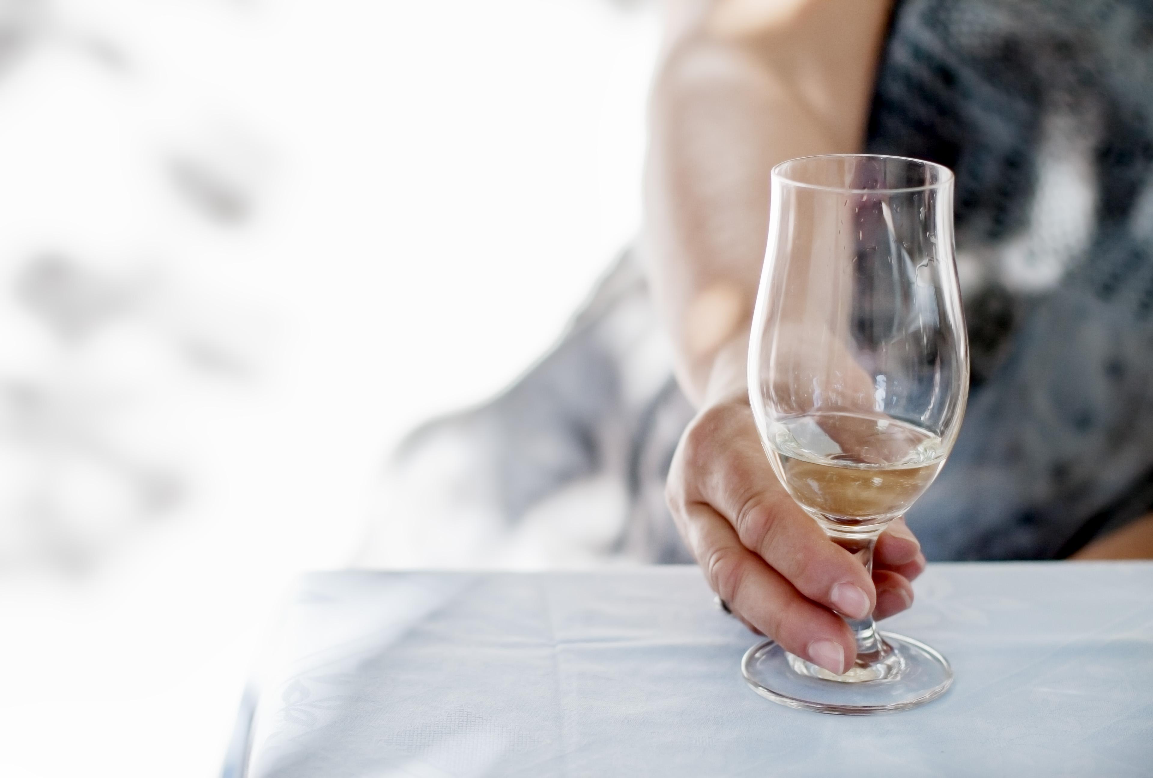 white-wine-blass